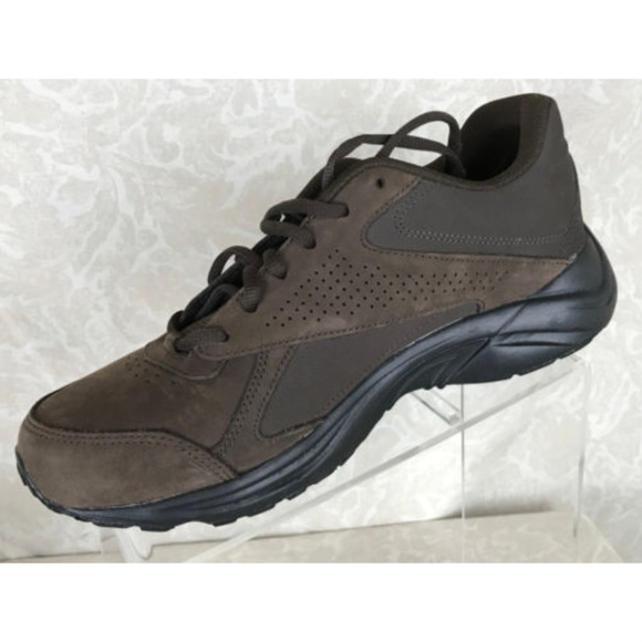 74a274817cc Reebok Ultra V Dmx Max Walking Shoes Mens 8.5. M 5ac8ed1af9e501d7e29f910b